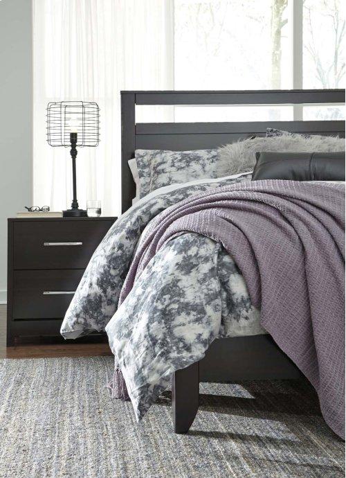 Queen/Full Panel Bed