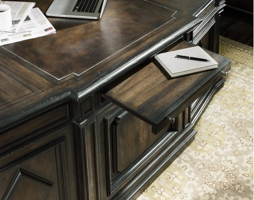 Home Office Auberose Executive Desk