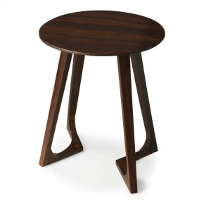 This brown end table is perfect for small spaces. With a modern aesthetic you, can enjoy a cup of tea and chat with friends in the sunroom, or eat breakfast while watching the morning news with the help of this stylish and convenient end table. Use its ro