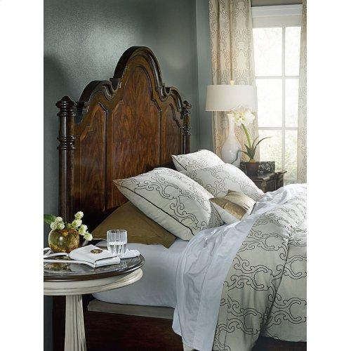Bedroom Leesburg King Poster Bed