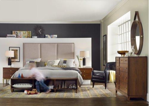 Bedroom Studio 7H Sans Serif Dresser