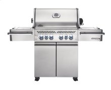Napoleon's Prestige PRO Series PRO 500 with Infrared Rear and Side Burners.