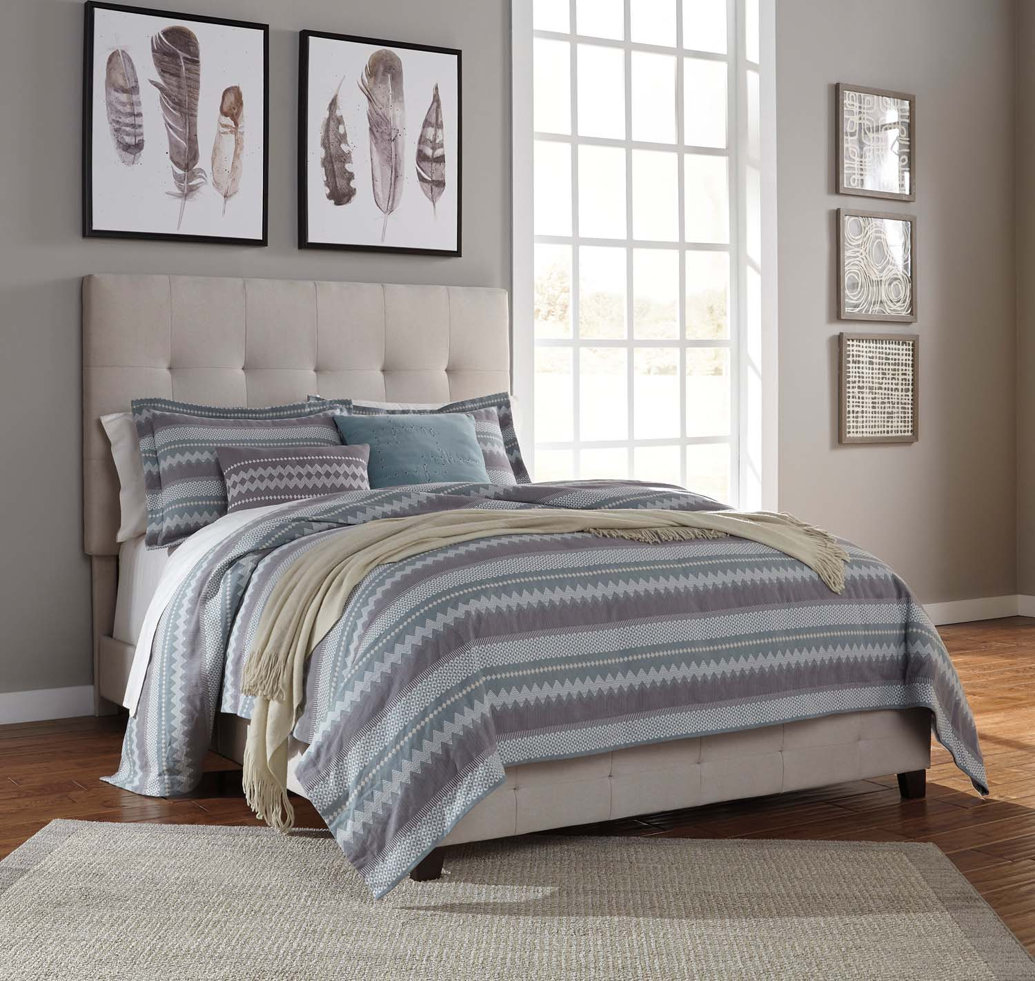 B130481 Queen Upholstered Bed By Ashley Furniture | Beharu0027s Furniture In  Everett, WA