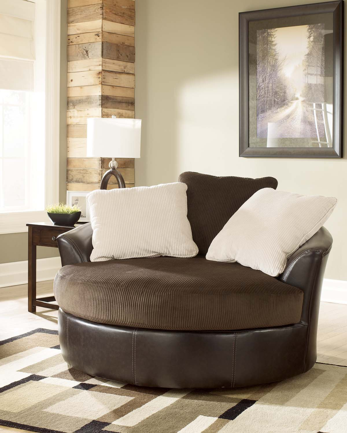 Attirant 5070021 In By Ashley Furniture In Tucson, AZ   Oversized Swivel Accent Chair