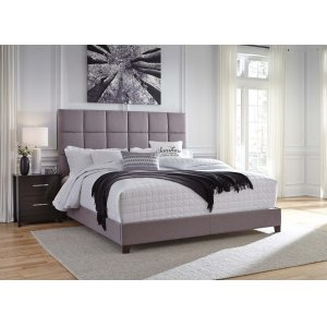 AshleySIGNATURE DESIGN BY ASHLEYKing Upholstered Bed