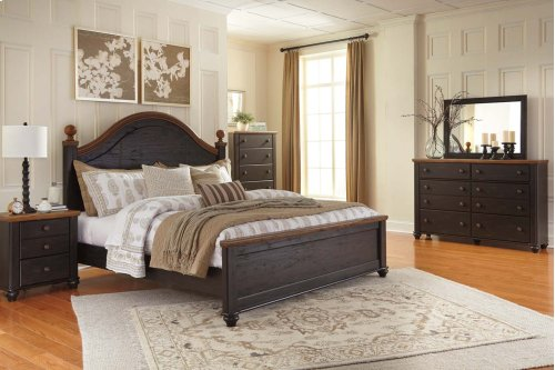 King Bed w/ Storage Footboard