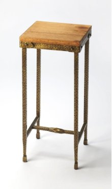 All rustic all the time... and perpetually elegant in its simplicity, this pedestal is hand-crafted from pine wood and iron. Its blonde top and hammered gold tone finish base complement one another perfectly, as it evokes the honesty and spirit of the Am
