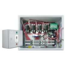 Plug-and-Play outdoor controller with 4 x 30A/2pole contactors allowing for a total load of 120A with a minimum power supply of 40A. Comes in LED enclosure with GFEP protection, built-in Digital controller and ground temperature sensor.