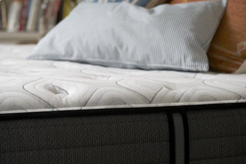 Response - Performance Collection - Traditional - Cushion Firm - Queen