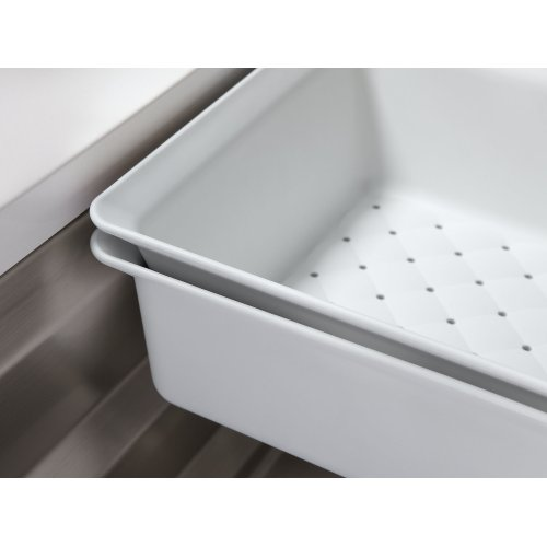 White Colander and Washbin