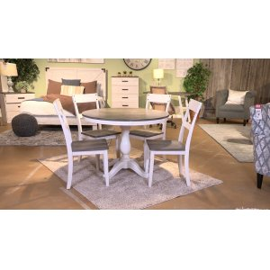 Ashley FurnitureSIGNATURE DESIGN BY ASHLEYRound Dining Room Table