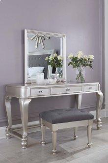 Coralayne - Silver 3 Piece Bedroom Set