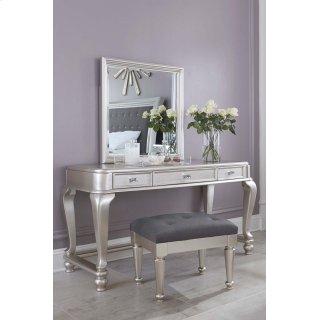 Coralayne 3 Piece Bedroom Set