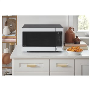 A microwave that's as versatile as you are