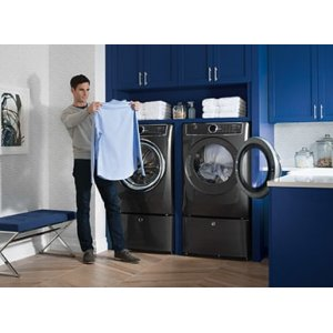 Front Load Perfect Steam Gas Dryer with Instant Refresh and 8 cycles - 8 0  Cu  Ft