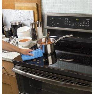 Edge-to-edge cooktop
