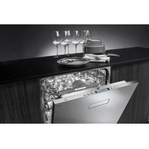XL dishwashers