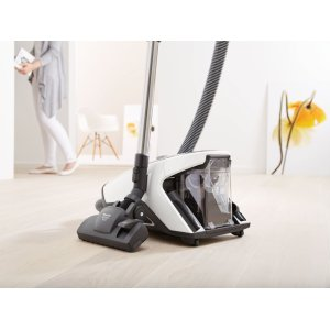 Park system for vacuuming breaks