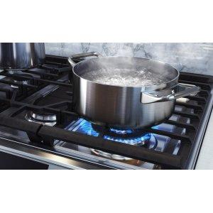 Powerful heat & precise simmering