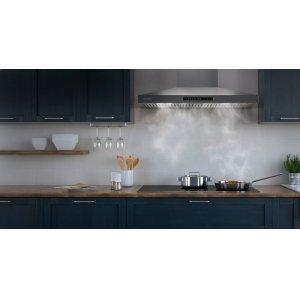 Quietly refresh kitchen air