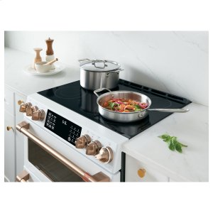 Seamless glass surface streamlines and simplifies cooking