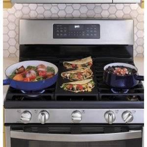 Edge-to-edge cooktop