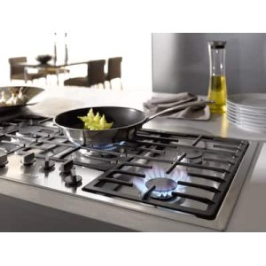 Gas cooktops with electronic controls