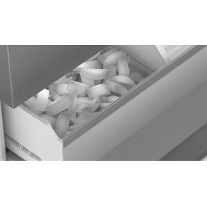 Fresh filtered ice & water - UltraClarityPro(TM)