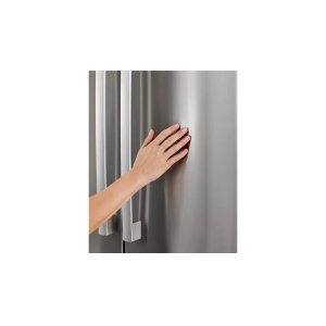 Easy to clean stainless steel exterior