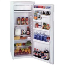 SUMMIT CM117 is a single door manual defrost refrigerator-freezer with a thin line design, ideal for hard-to-fit spaces