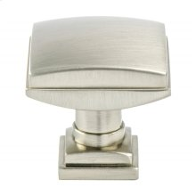 Tailored Traditional Brushed Nickel Knob