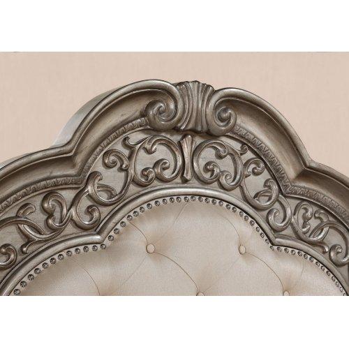 San Cristobal Queen Upholstered Bed