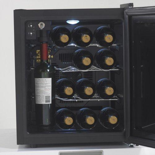 Wine Chiller Preserver / Dispenser