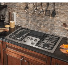 Frigidaire Professional 36'' Gas Downdraft Cooktop