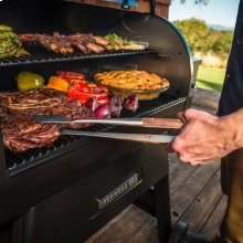 Ironwood Series 885 Pellet Grill