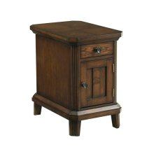 1 ONLY! Estes Park Chairside End Table