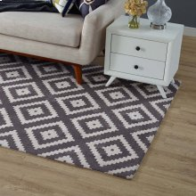Alika Abstract Diamond Trellis 5x8 Area Rug in Ivory and Charcoal