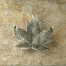 Large Maple Leaf Knob