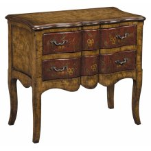 Scalloped 2dw Accent Chest