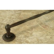 Une Grande 18 Inch Towel Bar