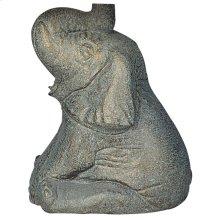915 - Statue