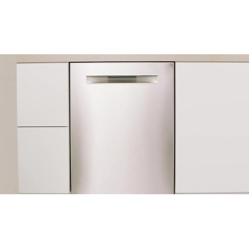 Benchmark® built-under dishwasher 24'' Stainless steel SHE89PW55N