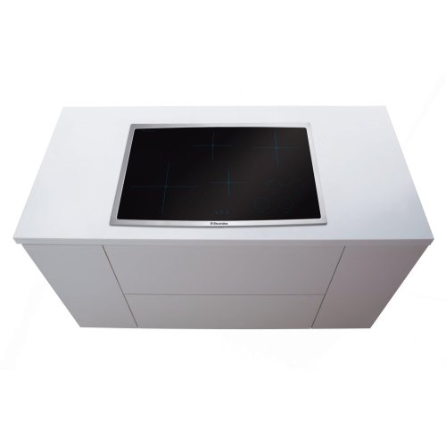 30'' Induction Cooktop - Floor Model