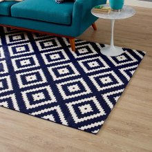 Alika Abstract Diamond Trellis 5x8 Area Rug in Ivory and Navy