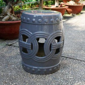 Infinity Chain Garden Stool Product Image