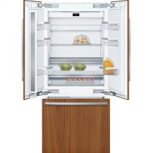 Benchmark® built-in fridge-freezer with freezer at bottom B36IT900NP