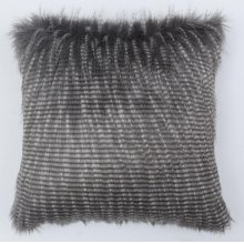 FEATHERS PILLOW SILVER. Rug