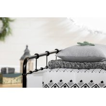 3 item kit - Printed Comforter with pillow shams, Cable-Knit Throw Blanket and Quilted Throw Pillow - 60''