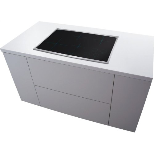 30'' Induction Cooktop - Floor Model