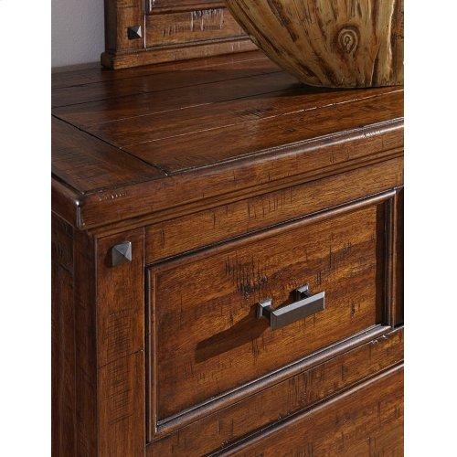 Wolf Creek Dresser